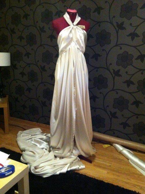 Första versionen av klänningen